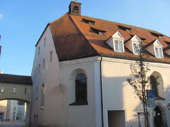 Ehem. Katharinenspital: backside and church entrance