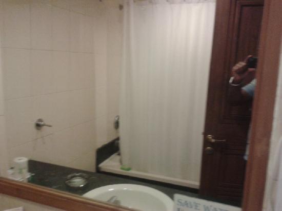 MK Hotel Amristar: Wash Room