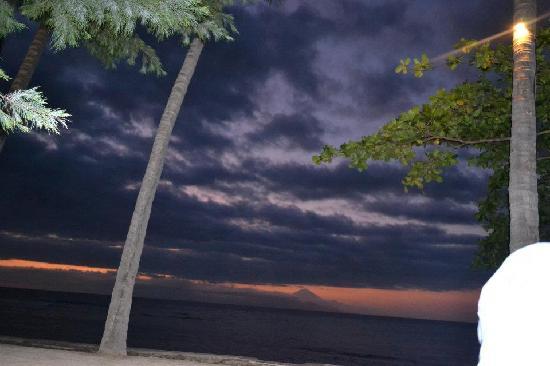 Alang-Alang Boutique Beach Hotel: Evening View