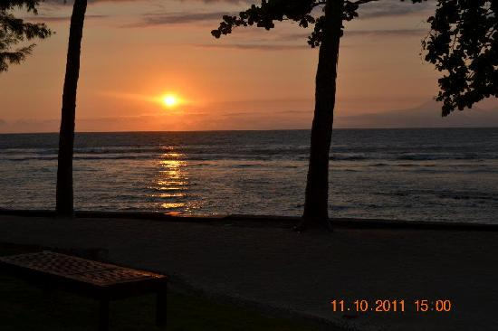 Alang-Alang Boutique Beach Hotel : Amazing Sunset