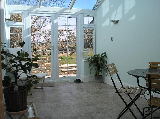 Bridge Cottage Bed and Breakfast: Breakfast Conservatory