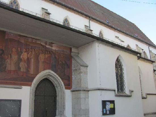 Heilig Grabkirche St. Peter und Paul: detail exterior