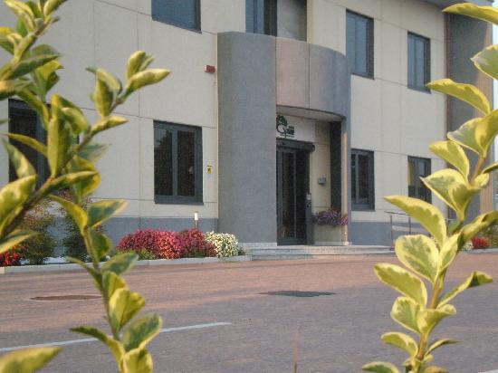 Groane Hotel Residence : INGRESSO