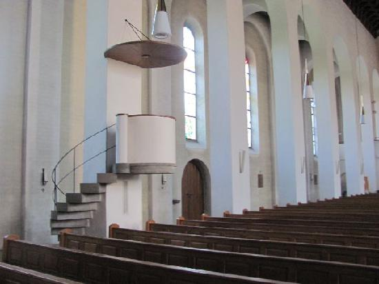Martinskirche: odd shape for a pulpit