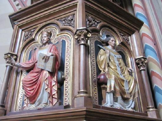 Maria Hilf Kirche der Redemptoristen: detail pulpit