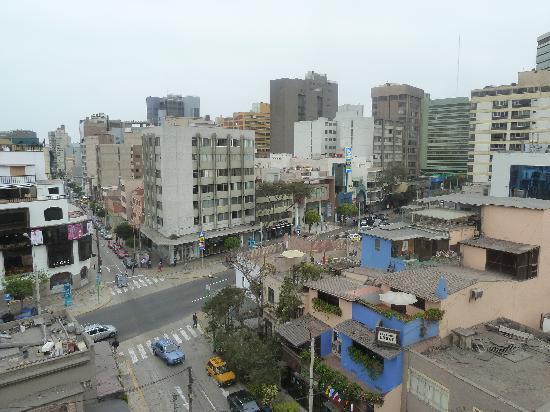 San Agustin Exclusive: vista desde la habitación del piso alto y a la calle principal