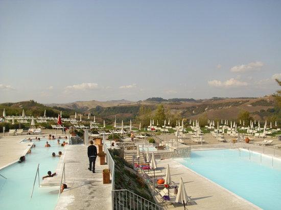 Rapolano Terme, Ιταλία: Piscine esterne