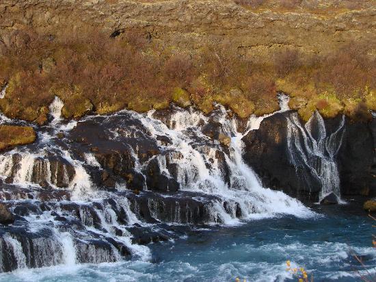 Bjarg Borgarnes: Hraunfossar falls
