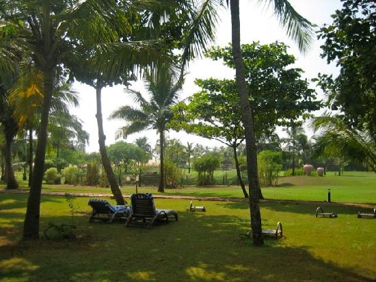 The Zuri White Sands Goa Resort & Casino: Garden