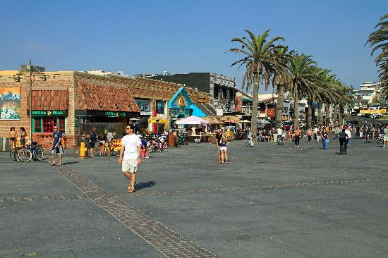The Main Street In Hermosa Beach Picture Of Pier