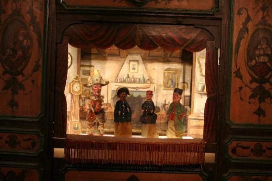 Musée d'Histoire de Lyon : titeres