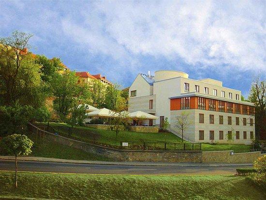 Hotel Castle Garden**** back side