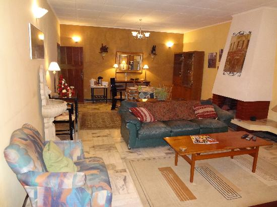 Sheba guest house updated 2017 prices reviews photos for Pictures for dining room area