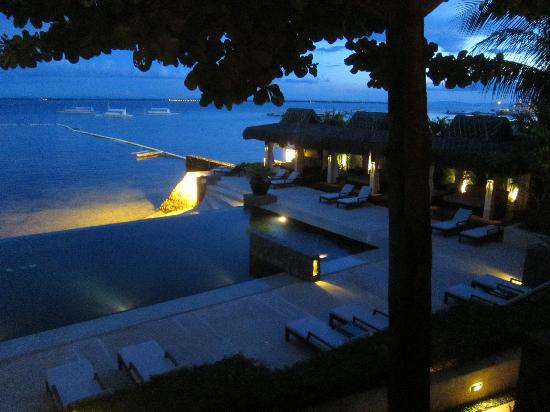 Abaca Boutique Resort: Master Oceanfront Suite Balcony View at Dusk