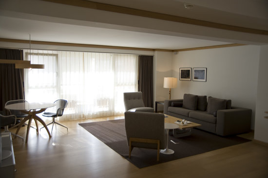 The Omnia : Living Room