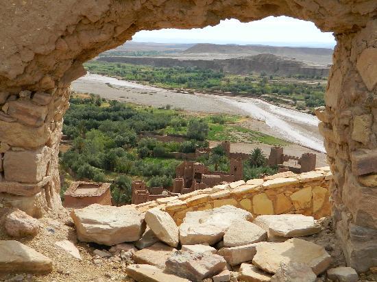 Ijoukak, Morocco: finestra naturale sulla Kasba di Ait Benhaddou