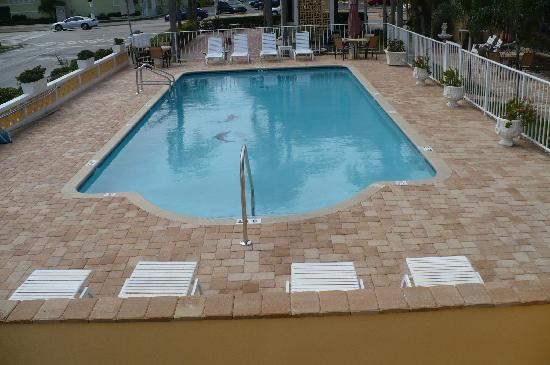 Cheri Lyn Motel: Great new pool