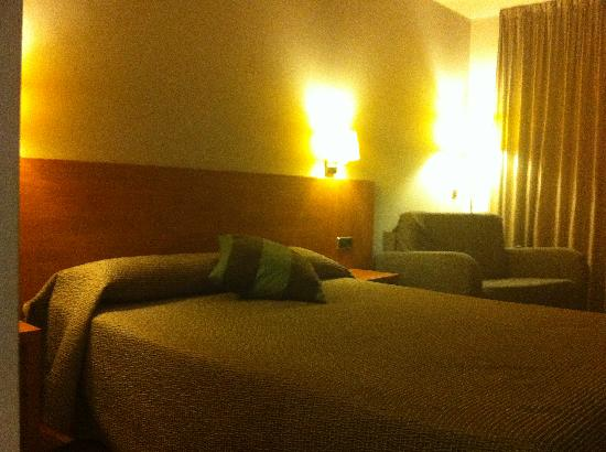 Hotel Medes II: chambre premium ou suite ? lit double