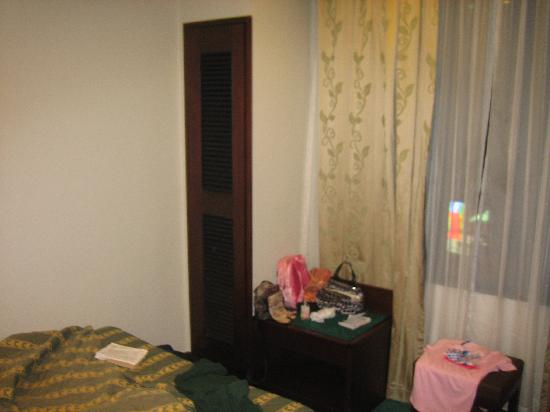 Shamrock Hotel: our small room