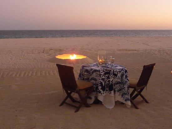 Las Ventanas al Paraiso, A Rosewood Resort: Private dinner set up on the beach