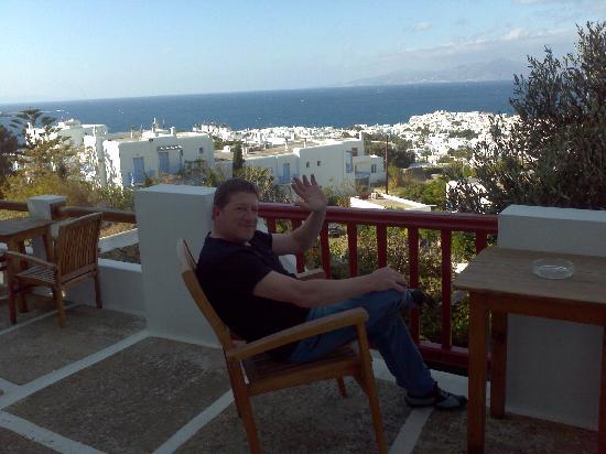 Constantina Zorz Xydakis: vista de terraza que es compartida