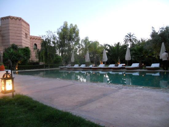 Villa Al Assala Palmeraie: PISCINE ET JARDIN