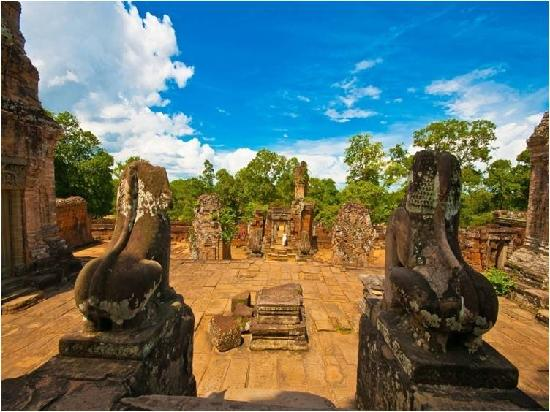Pacific Hotel & Spa: Temple Grounds of Angkor