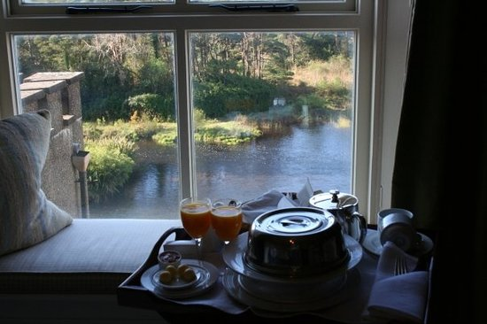 Ballynahinch Castle Hotel : I recommend ordering breakfast in your room!