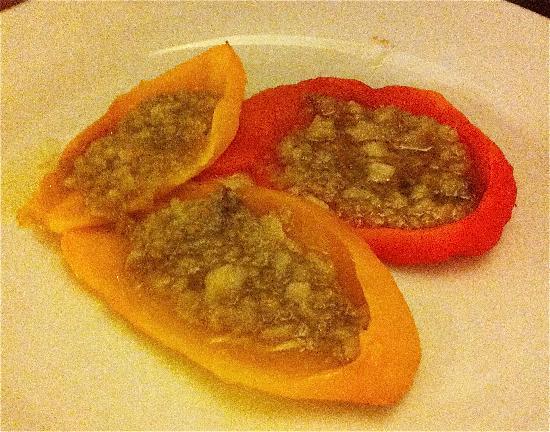 Serralunga d'Alba, Italia: peperoni in bagna cauda
