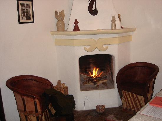 Casa Felipe Flores: Fireplace in my room