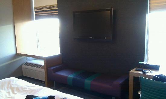 Aloft Milwaukee Downtown: Our room