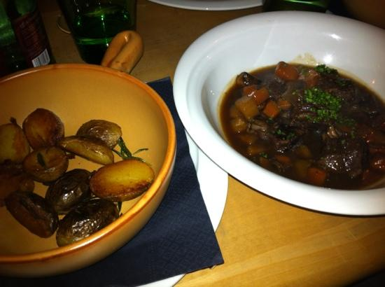 Specht: beef stew and potatoes on the side