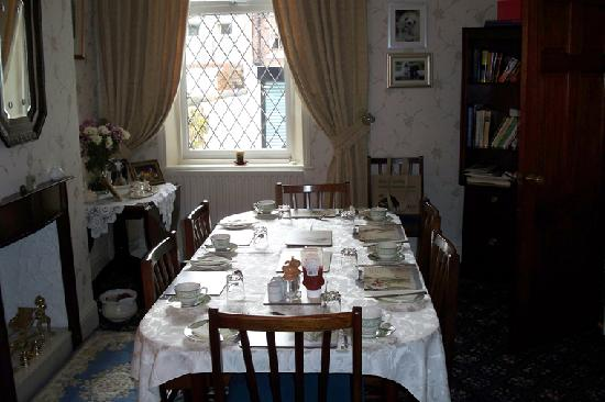Alexandra Guest House: Dining Room