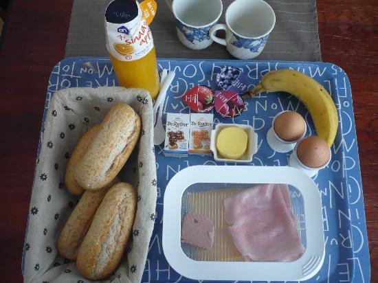 Bed and Breakfast Borneo: breakfast!!