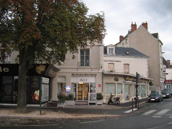 Best Western Blois Chateau: Hotel from the street