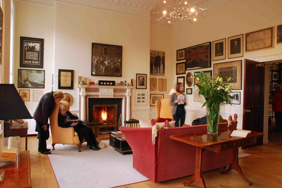 Visitors stumble on Dublin's most elegant Drawing Room (36636870)