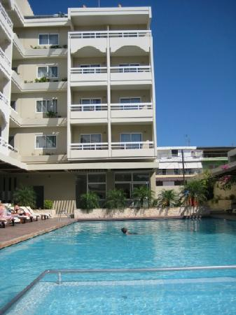 Athineon Hotel : zwembad hotel