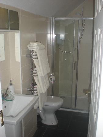 Ard Mhuire Bed and Breakfast: En-suite bathroom