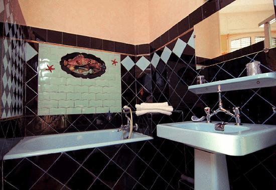 Hotel Peron: Exemple De Nos Salles De Bains En MosaÏque