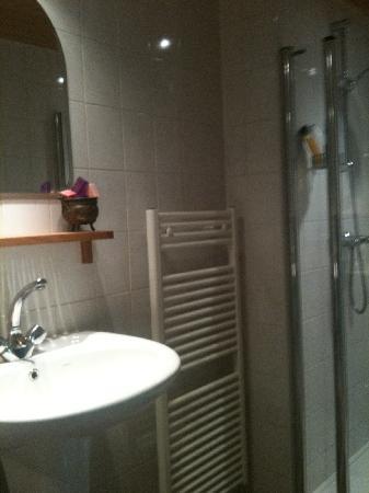 The Waterinn: bathroom