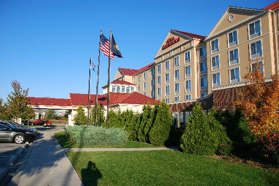 Hilton Garden Inn Louisville East : Front of hotel