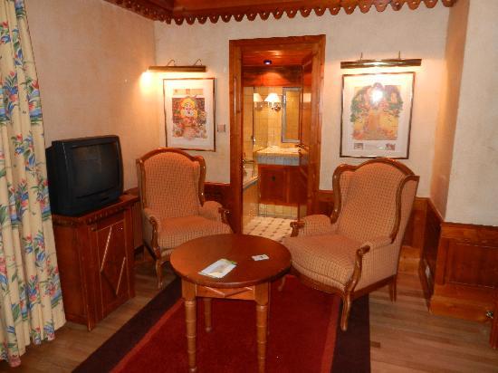 Hotel les Buttes: partie de chambre