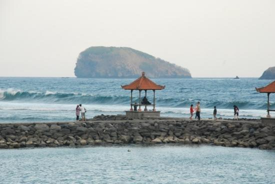 Candidasa, Indonesia: the Beach