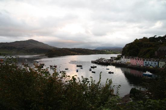 Portree Independent Hostel: View from the kitchen