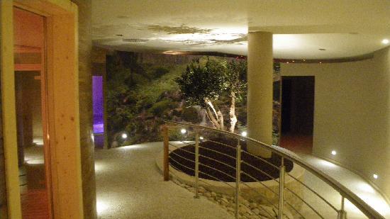 Borgobrufa SPA Resort: corridoio di collegamento