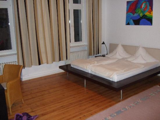 Hotel Riehmers Hofgarten: Bedroom in the apartment