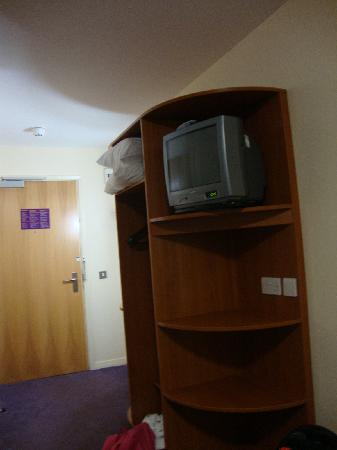 Premier Inn Glasgow East Kilbride (Nerston Toll) Hotel: Simple shelf