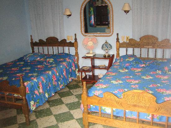 Colonial Carlos: Habitación 2