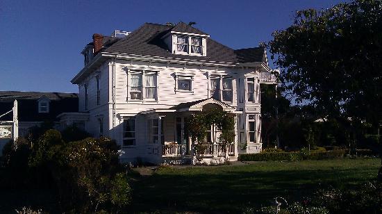 Weller House Inn: Morning snapshot