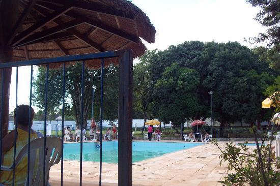 Royal Iguassu Hotel: pileta descubierta